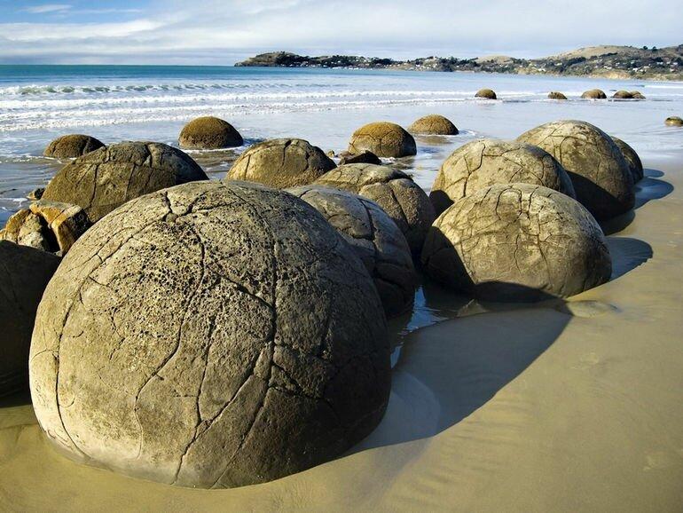 Валуны Моераки (Новая Зеландия)