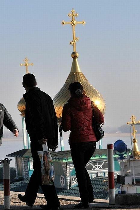 Плавучий храм Святой Владимир