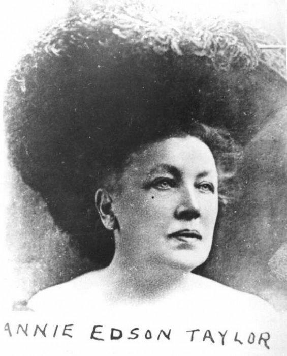 Энни Эдсон Тейлор – первая женщина, покорившая Ниагарский водопад (1901г.)
