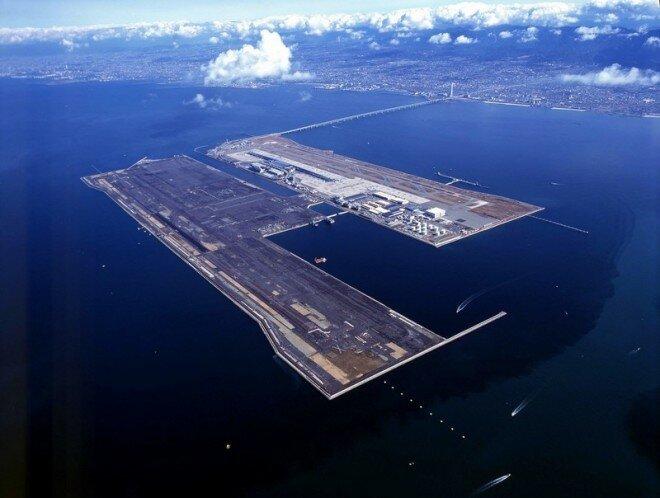 Аэропорт Кансай в Осаке (Япония)