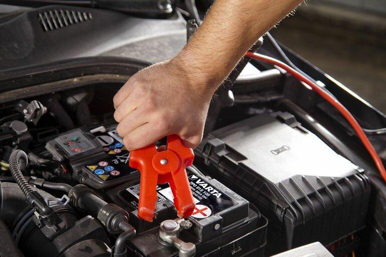 Критерии выбора зарядного устройства для автомобильного аккумулятора