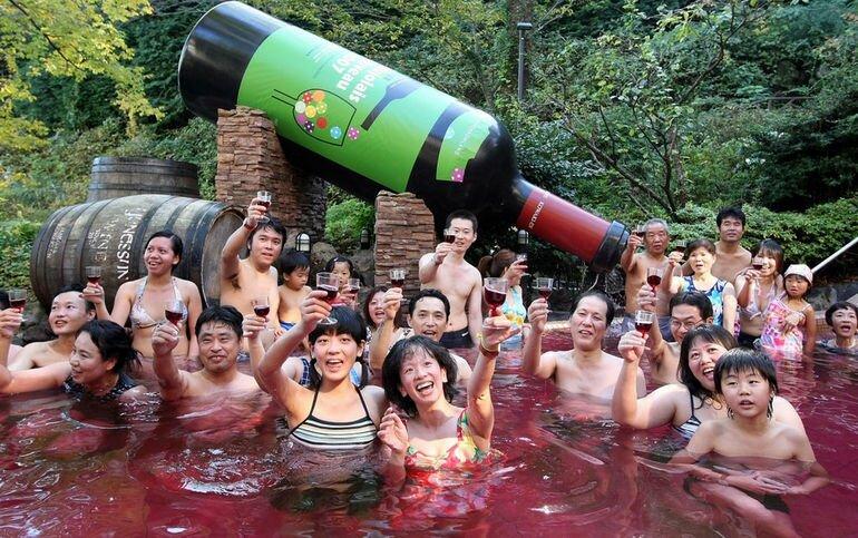Купание в вине: пьянящее наслаждение (Япония)