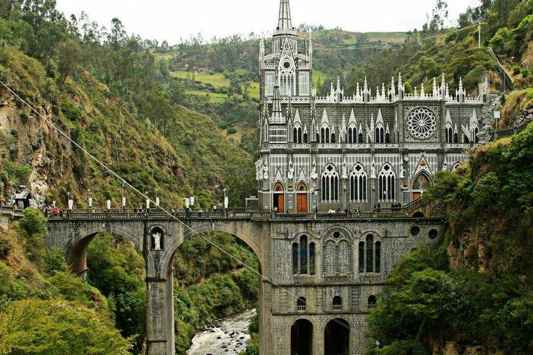 Las_Lajas_Cathedrale_11