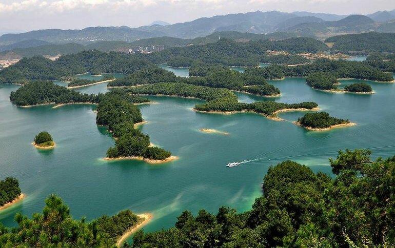 Озеро Цяньдаоху (Китай)
