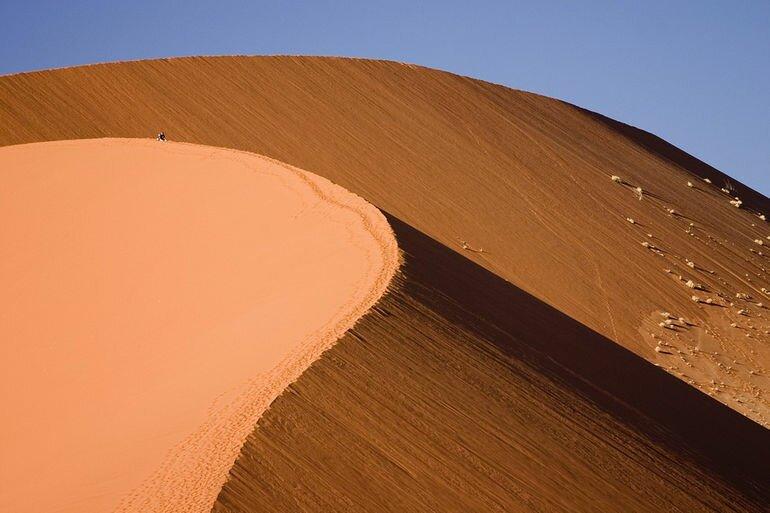 Sossusvlei_Dune_Namib_Desert_Namibia_Luca_Galuzzi_2004