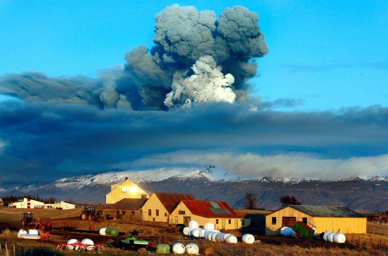 Опасная красота: вулкан Эйяфьядлайокюдль (Исландия)