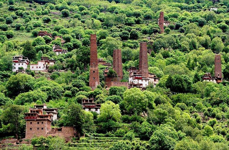 Долина тысячи каменных замков