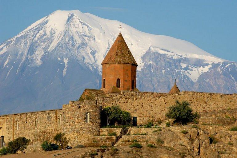 Монастырь Хор Вирап: место истоков христианской культуры (Армения)
