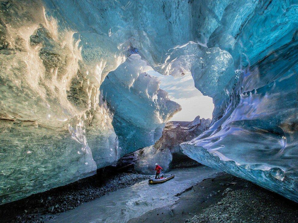 vatnajokull-glacier-iceland_76622_990x742