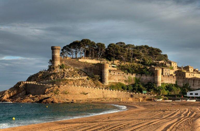 Вила Велла: одна из самых древних крепостей Испании