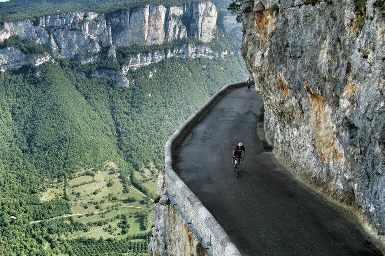 Комб Лаваль: настоящий аттракцион для велосипедистов (Франция)