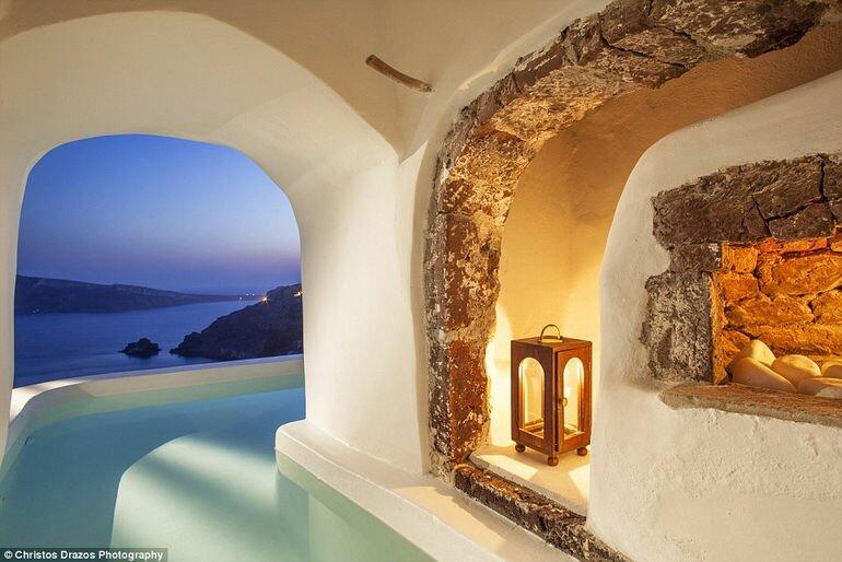 Luxurious Canaves Oia Suites: отель класса люкс на Санторини (Греция)