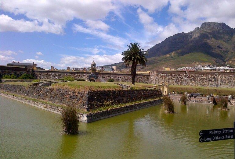 Замок Доброй Надежды: самое древнее кирпичное сооружение Южной Африки (ЮАР)