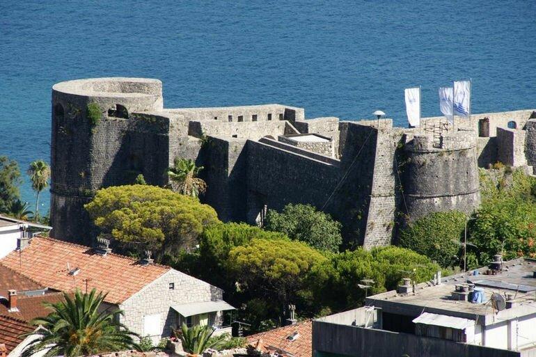 Канли Кула: крепость, театр и тюрьма (Черногория)