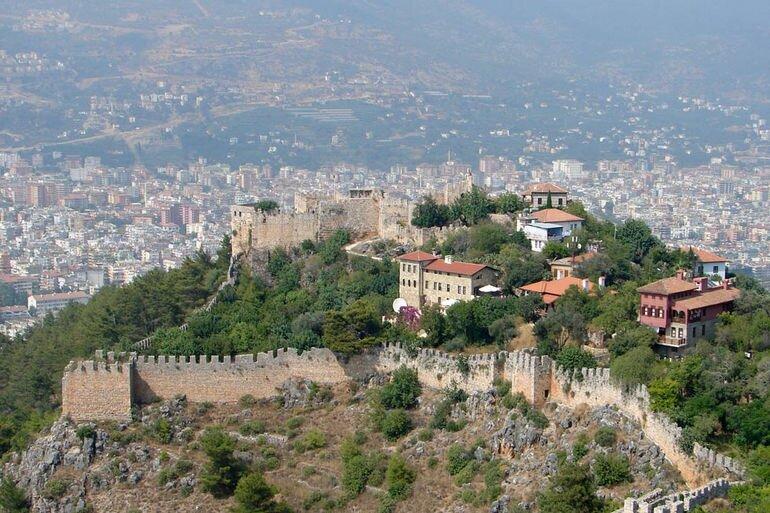 Крепость Аланьи в Анатолии (Турция)